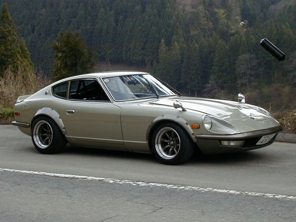 240z-c-fairlady-withflairs-gnose.jpg