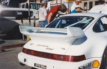 Porsche-911-965-RSR-rear-adjustable-tail-Wing.jpg
